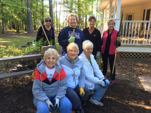 Chapin Garden Club ladies at Chamber House